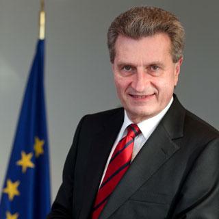 Portrait von EU-Kommissar Günther Oettinger