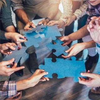 Finden Sie Plattformen zur gemeinsamen Nutzung von Ressourcen und der Arbeitnehmerüberlassung.