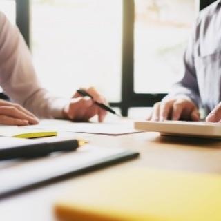 Tipps und Infos zu Rechtsbestimmungen bei ordentlichen Gesellschafterversammlungen