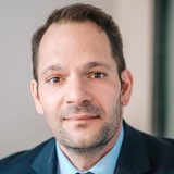 Portrait von Dr. Oliver Esch