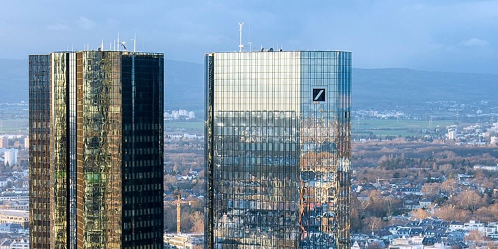 Frankfurt_Deutsche_Bank_Headquarters-20140221-CC-3-0-by-epizentrum